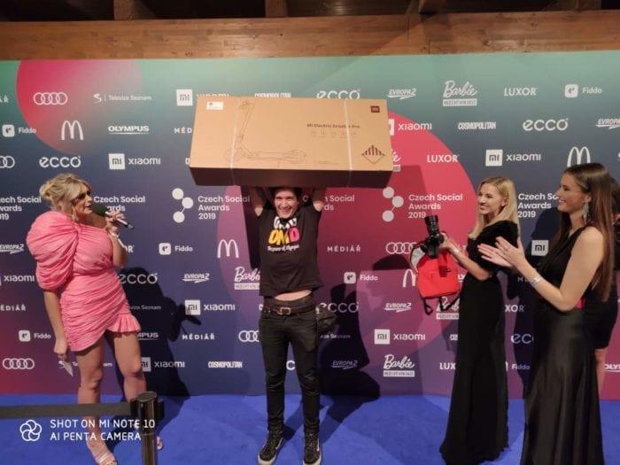 Předání výhry Mi Electric Scooter Pro na Czech Social Awards